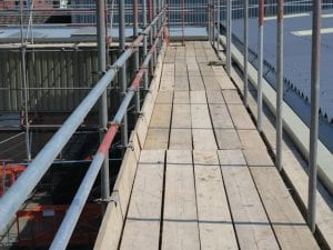 perimeter edge scaffold during asbestos roof works